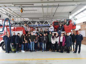 Besuch der Freiwilligen Feuerwehr Weiterstadt mit der Klasse 8 C