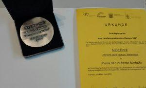Auszeichnung der Abiturientin Nele Beck mit dem Pierre de Coubertin-Schulsportpreis